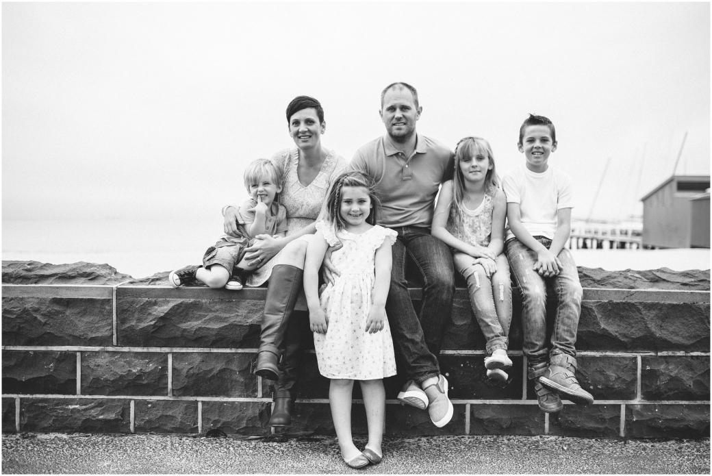 family photos melbourne family photographer beach portraits port melbourne innerwest melbourne photographer moments memories lifestyle portraits02